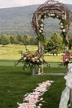 Great for a rustic or casual wedding outside! Just like mine, hehehe