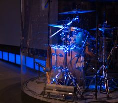 Curve Acoustic Drum Enclosures builds custom seamless, curved drum cages for churches desiring to contain, control and isolate their percussion instruments. Drum Cage, Diy Drums, Best Drums, Acoustic Drum, Drum Room, Studio Gear, Church Design, Sound Proofing, Drum Kits