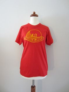 1976 Chi Omega Sorority Sigma Chi Derby Day T-Shirt, M-L // 70's Vintage T-Shirt