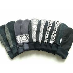 Kierrätysmateriaaleista valmistettuja lapasia Refashion, Diy Clothes, Wool Felt, Mittens, Recycling, Sewing, Hats, Christmas, Athletic Wear