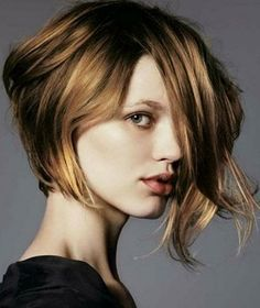 Women Hairstyles Messy asymmetrical hairstyles for thin hair.Asymmetrical Hairstyles For Thin Hair. Short Hair Cuts For Round Faces, Round Face Haircuts, Short Haircuts, Short Cuts, Popular Haircuts, Pretty Hairstyles, Bob Hairstyles, Bangs Hairstyle, 1950s Hairstyles
