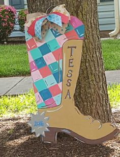 Wooden Door Hanger cowboy boot/ Cowgirl door hanger / Personalized wooden door hanger/ Baby Girl Nursery Gift painted by Ursula Mason / Craft Night Out located in Historic Downtown Statesville Nc Burlap Crafts, Decor Crafts, Wood Crafts, Fun Crafts, Baby Door Hangers, Wooden Door Hangers, Wooden Doors, Baby Shower Gifts, Baby Gifts