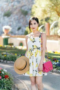 More looks by Tina Lee: http://lb.nu/ofleatherandlace  #cute #elegant #vacation #travel #capri #italy #lemon #lemons #metisu