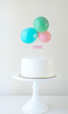 baloon top cake So simply yet so pretty