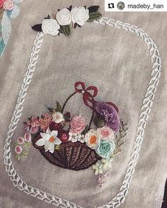Getting to Know Brazilian Embroidery - Embroidery Patterns Embroidery Purse, Embroidery Flowers Pattern, Learn Embroidery, Embroidery Fashion, Crewel Embroidery, Embroidery Hoop Art, Embroidered Flowers, Cross Stitch Embroidery, Embroidery Designs