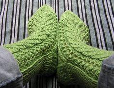 Ravelry: Kerttu -sukat / Kerttu socks pattern by Paula Paajanen Knitting Charts, Loom Knitting, Free Knitting, Knitting Socks, Knitting Patterns, Crochet Patterns, Wool Socks, Yarn Colors, Handmade Clothes