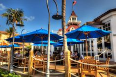 Outdoor Patio Fine Dining Restaurant Hospitality of Bimini Boatyard, Fort Lauderdale