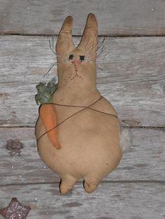 PriMiTive GrunGy EasTer BunnY RaBBiT CarroT OrNie BowL FiLLeR SheLf SiTTeR