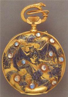 Pocket Watch Gold Watch with Bats and Opals, Art Nouveau Designer Rene Lalique. Bijoux Art Nouveau, Art Nouveau Jewelry, Jewelry Art, Vintage Jewelry, Jewelry Design, Jewellery, Gold Jewelry, Belle Epoque, Lalique Jewelry