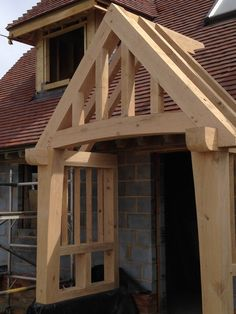 ideas for exterior entrance ideas log cabins Bungalows, Porch Canopy, Roof Truss Design, Cottage Front Doors, Oak Framed Buildings, Craftsman Decor, Front Door Makeover, Roof Trusses, Wood Joinery