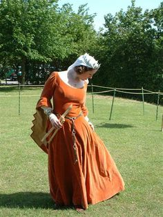 14th century-style gown with dagged sleeves - the princess line cut of the dress is not period.