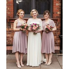 Beautiful Daisy in her @jennypackham and her maids looking pretty. More over on lovemydress.net. Image by @_cassandralane #lmdbride