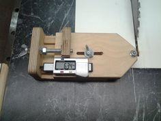 Shop Made thin strip ripping jig, DRO version - by corydoras @ LumberJocks.com ~ woodworking community