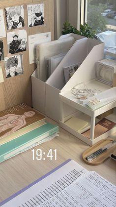 Study Space, Study Desk, Study Room Decor, Bedroom Decor, Desk Inspiration, Desk Inspo, Study Organization, Aesthetic Rooms, Study Motivation