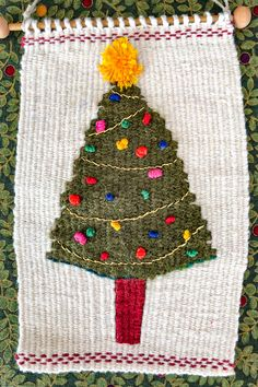 Weaving journal- how I wove a Christmas tree on a little loom. Tapestry Weaving, Loom Weaving, Hand Weaving, Fabric Crafts, Diy Crafts, Fibre And Fabric, Camera Tips, Camera Gear, Film Camera