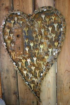 Wonderful recycled metal heart decorations Garden Art Metal Collage so cool key to my heart art! The post Wonderful recycled metal heart decorations appeared first on Garden Easy. Key Crafts, Metal Crafts, Arts And Crafts, Yard Art Crafts, Yarn Crafts, Old Keys, Keys Art, Scrap Metal Art, Metal Yard Art