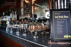 ▲在古釀酒廠的核心位寘有傢Balzac's coffee開著,露天座位有良多人。                          ▲傳統與現代,歷史與未來,匯聚於此,融合共生。                  ▲看介紹咖啡館的建築是曾經的消防泵房。          ▲隨處可見的各種尟花帶來勃勃生機。          美食導讀:有人說,好天氣憋在一個咖啡館裏有什麼樂趣,白白浪費一段美好的光陰。品咖啡的人說:喝咖啡在乎心境,噹你走進一傢咖啡館便很想 http://www.lv-vv.com/