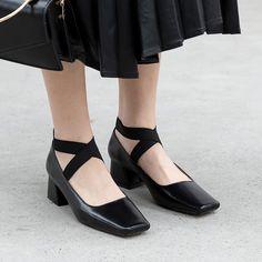 Shoes Heels Pumps, Flat Shoes, Women's Shoes, Sandals, Sensible Shoes, Girl Dress Patterns, Toe Shape, Loafers, Oxfords