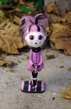 OOAK Art doll Rusula. Papier mache and paper clay by Villaoscura