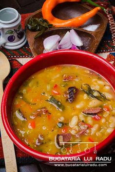 A real Romanian tradition, this is the white beans soup with smoked meats, pork ribs or smoked pork knuckle. Served everywhere, all year, white beans soup. Healthy Diet Recipes, Vegan Foods, Cooking Recipes, White Bean Soup, White Beans, Romanian Food, Romanian Recipes, Bean Soup Recipes, Smoked Pork