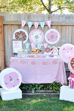 Donut parties are a hot trend right now. Get some ideas for DIY donut party deco. Donut Party, Donut Birthday Parties, 1st Birthday Girls, Birthday Party Themes, Birthday Ideas, Birthday Party Invitations, Donut Decorations, Birthday Decorations, Party Deco