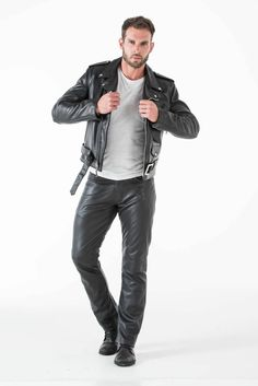Men's Leather Jackets: How To Choose The One For You. A leather coat is a must for each guy's closet and is likewise an excellent method to express his individual design. Leather jackets never head out of styl Brown Leather Jacket Men, Classic Leather Jacket, Vintage Leather Jacket, Lambskin Leather Jacket, Leather Trousers, Leather Men, Biker Leather, Latest Jackets For Mens, Leather Fashion