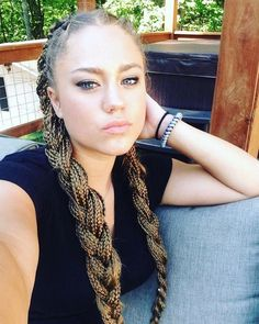 white girl box braids Click the image now for more info. Box Braids Updo, Box Braid Hair, Blonde Box Braids, Box Braids Styling, Small Box Braids, Short Box Braids, Jumbo Box Braids, Micro Braids, Try On Hairstyles