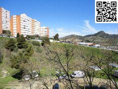 Entrada al Barrio de Can Cuiàs o Santa Elvira de Montcada i Reixac de Barcelona... ¡Escanea el Logo QR para saber más de nosotros!