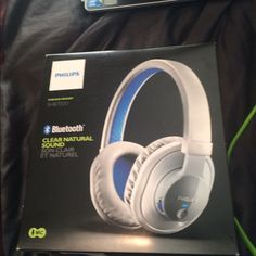 Brand new phillips wireless Wireless headsets never used still in box.  PLEASE STOP OFFEREING ME TEN DOLARS TO all 20 brand new headsets never open i will not make 7 dollars on them after posh takes there portion this is a great deal sorry. Not negotiable Phillips Other