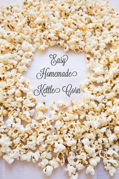 The most delicious homemade kettle corn recipe you can make right in your own kitchen. Easy to make, and a recipe video to show you all the cooking steps! Best Gluten Free Desserts, Gluten Free Snacks, Vegan Snacks, Yummy Snacks, Delicious Desserts, Popcorn Snacks, Popcorn Recipes, Snack Recipes, Popcorn Bar