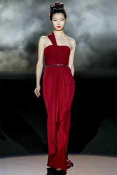 Badgley Mischka RED evening gown- Collections Fall Winter 2013-14 - Shows - Vogue.it