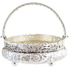 Art Nouveau silver basket bon bon Simpson Hall Miller c. Antique Art, Antique Jewelry, Silver Jewelry, Tikka Jewelry, Jewelery, Vintage Silver, Antique Silver, Silver Pooja Items, Silver Lamp