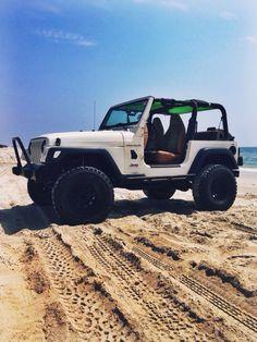 I want a Jeep Wrangler soooooooooooooooooooooo bad Cj Jeep, Jeep Cars, Jeep Truck, Jeep Wrangler, My Dream Car, Dream Cars, Coventry, 4x4, White Jeep