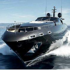 Luxury Black Yacht #luxuryyachtblack #luxuryyachts