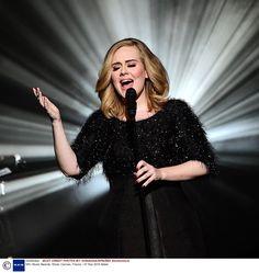 """Adele e Tony Visconti: ecco la verità sul """"battibecco"""" - Tony Visconti, famoso produttore, ha di recente commentato la qualità della musica attuale, sostenendo che la voce di Adele (e non solo) sarebbe manipolata. La contante non ci sta e risponde a tono, mentre lui sostiene di essere stato frainteso. - Read full story here: http://www.fashiontimes.it/2016/06/adele-tony-visconti-verita-battibecco/"""