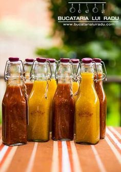 sos de ardei iute cu lamaie si piersici Hot Sauce Bottles, Conservation, Preserves, Pickles, Cucumber, Spicy, Turmeric, Cooking Recipes, Jar