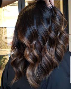 Caramel Balayage Highlights, Brunette Hair Color With Highlights, Brown Hair Balayage, Hair Color Balayage, Dark Hair With Caramel Highlights, Brunette Balayage Hair Short, Dark Balayage, Brunnete Hair Color, Highlights For Brunettes