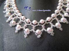 Kette aus Swarovski Perlen, Bicone und Rocailles in der Farbe zart rosa