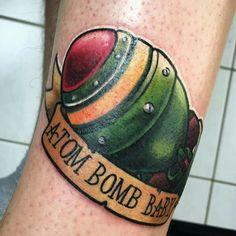 Mininuke Atombomb Atom bomb baby fallout tattoo newschool Gamer Tattoos, Cool Tattoos, Awesome Tattoos, Fallout 4 Tattoos, Bioshock Tattoo, Skyrim Tattoo, Fallout Art, English Tattoo, American Traditional