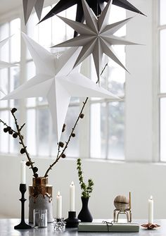 DIY Origami paper stars to hang.Pretty Christmas inspiration in white, pastel and gold - my scandinavian home