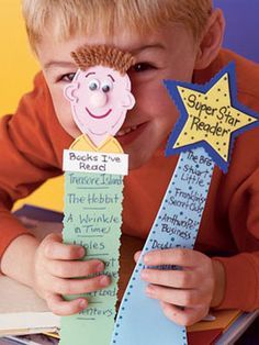 Bookmarks Back to School Craft.kids can list their favorite books! For Back to School Night? Homemade Bookmarks, How To Make Bookmarks, Easy Crafts, Crafts For Kids, Family Crafts, Kids Diy, Mother Daughter Book Club, Bookmark Craft, Bookmark Making