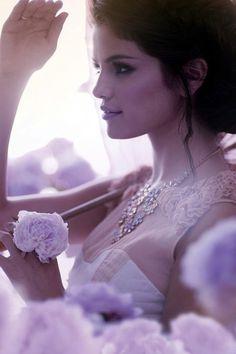 Selena Gomez... she's gorgeous