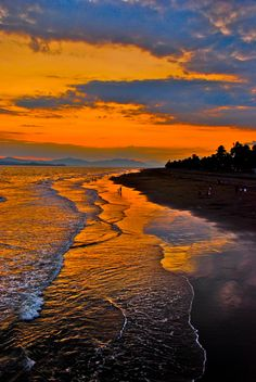 Costa rica Sunset by Chris Taylor