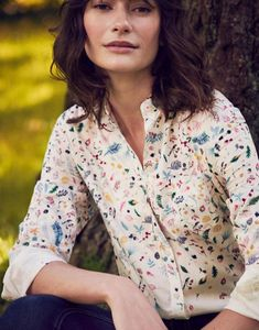 Joules US Lucie Womens Printed Shirt Cream Woodland Ditsy Border 70s Fashion Pictures, Joules Clothing, Outfit Goals, Retro Dress, Printed Shirts, Fashion Brands, Floral Tops, Clothes For Women, Joules Uk