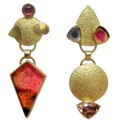 Hannelore Gabriel - gold and tourmaline earrings. Jewelry Design Earrings, Jewelry Art, Jewelry Accessories, Jewelry Ideas, Jewellery, Candy Jewelry, Tourmaline Earrings, Gemstone Colors, Modern Jewelry