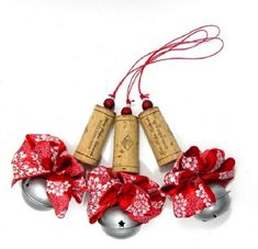 17 recycled craft ideas for Christmas tree ornaments - - christmas crafts diy tree corks ornaments crafts for adults ideas Wine Craft, Wine Cork Crafts, Wine Bottle Crafts, Wine Bottles, Wine Cork Ornaments, Christmas Tree Ornaments, Christmas Decorations, Holiday Tree, Snowman Ornaments