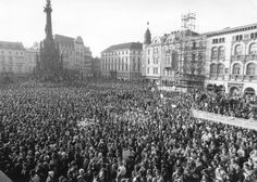 Photograph of a demonstration in Wenceslas Square (Prague) at the time of the Velvet Revolution.