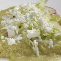 Esta receta que te vamos a dar es deliciosa y fácil de hacer Enchiladas Verdes preparadas con tortillas de maíz, rellenas de pollo o puedes ponerle el relleno que más te guste.