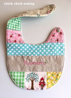 chick chick sewing: Personalized patchwork bib for the baby girl ♥ お名前刺しゅう入り赤ちゃんビブ作りました♥