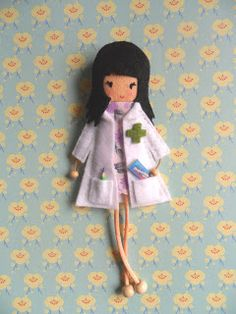 Little Chic Things Broches de Fieltro: LITTLE FARMACÉUTICA - LITTLE CHEMIST